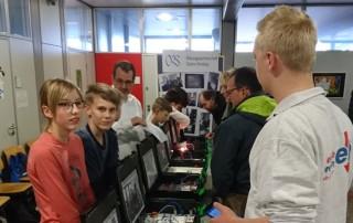 Schüler präsentieren erste Smart Home Lösungen am Tag der offenen Türe